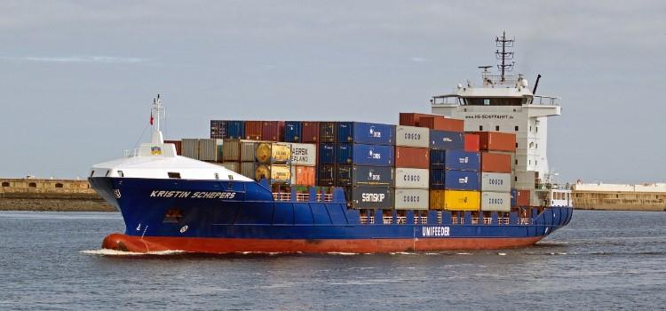 shipping-1057110_1280 (1)